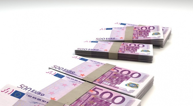 Централната банка на Албания съобщи, че миналата година спестяванията в