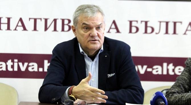 Румен Петков настоя в Плевен за прокурорска намеса по договора за ремонт на учебните самолети L-39