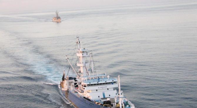 Гръцки кораб е нападнат край Камерун, 8 моряци са отвлечени