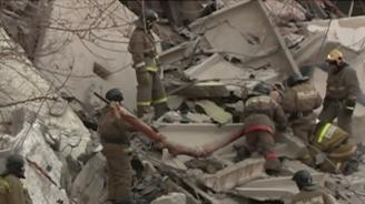 Расте броят на жертвите, открити подразвалините на частично рухналияблок вМагнитогорск