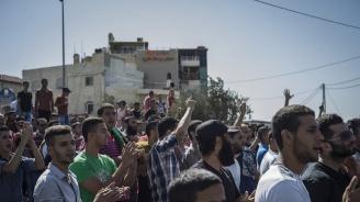 Израелски заселници влязоха  в сблъсъци с израелската полиция  при евакуация на незаконни жилища