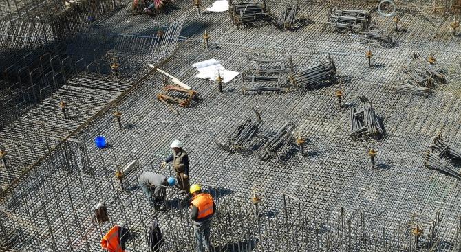 Спад в строителството отчита НСИ