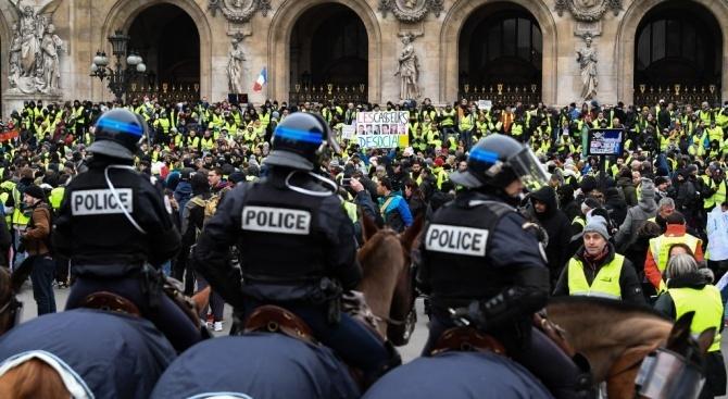 """29 ареста във Франция в поредния ден на протести на """"жълтите жилетки"""""""