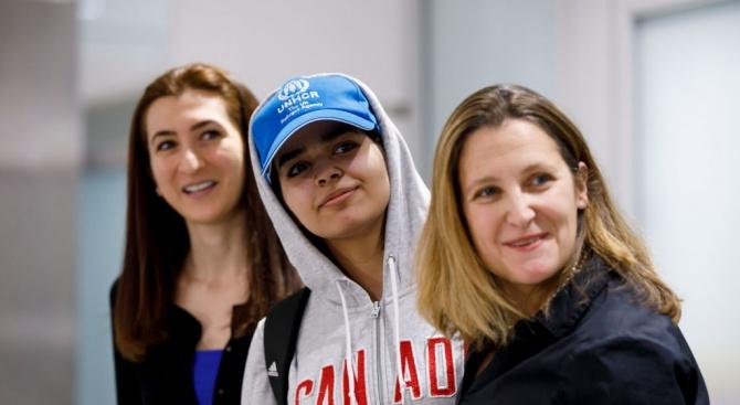 Младата саудитка, избягала от семейството си, пристигна в Канада (снимки)