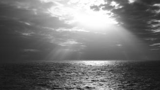 Кораб с 13-членен екипаж потъна в Черно море