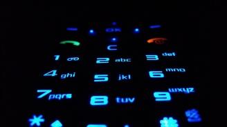 Телефонни измамници измъкнаха близо 13 000 лева от 81-годишен мъж