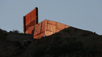 Oткриха близо до границата със САЩ 20 тела, 17 от които са овъглени