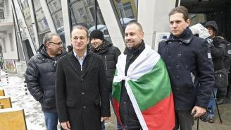 Рехав протест в подкрепа на превозвачите пред представителството на ЕК в София (снимки)