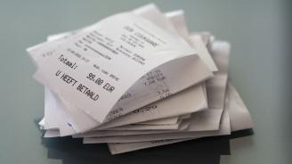Куриоз! Данъчните спипаха бележки на китайски език вместо фискални бонове в магазин в Бургас (снимка)