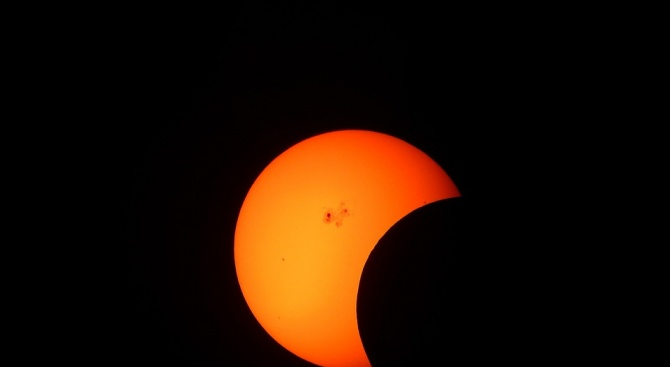 Частично слънчево затъмнение наблюдаваха в Китай