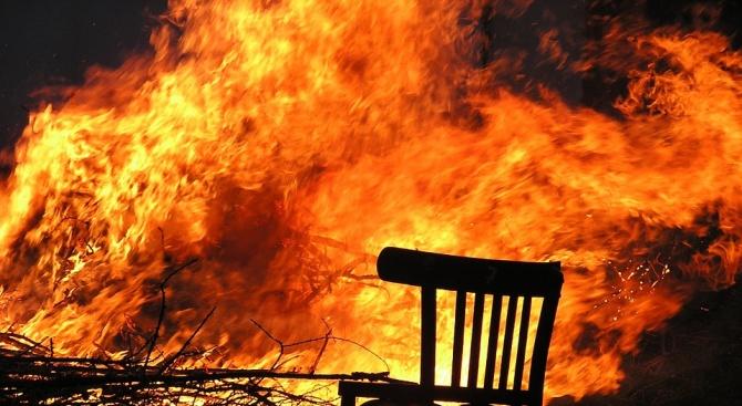 70-годишна жена е изгоряла при пожар в дома си