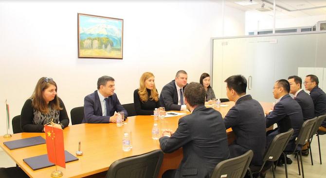 Ангелкова се срещна с ръководството на водещ китайски туроператор