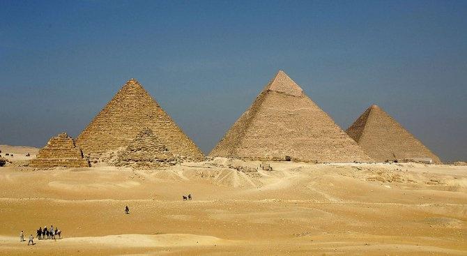 "На Хеопсовата пирамида се появи надпис: ""Локо 2019"" (снимка)"