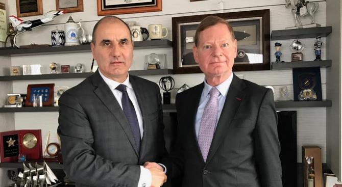"""Цветанов се срещна с ръководителя на Бюрото на Фондация """"Конрад Аденауер"""" в България Торстен Гайслер"""