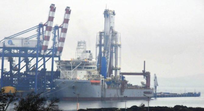 Петролен гигант започва сондаж за нефт в Черно море (снимка)