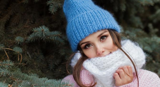Перете редовно зимния шал, съветва британска козметичка
