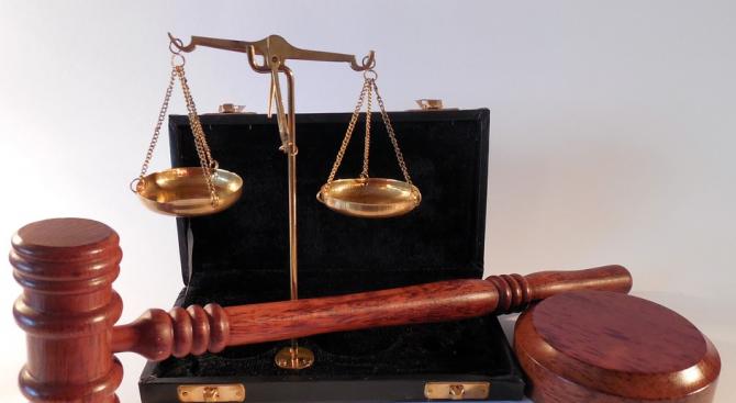 Ефективни присъди за непълнолетни, изнасилили, обрали и убили възрастна жена