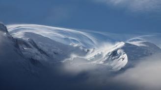 70 сантиметра сняг и намалена видимост в планината в Габровско