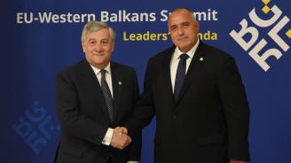 """Борисов разговаря с Таяни и настоя пакет """"Мобилност"""" да се разгледа след евроизборите"""