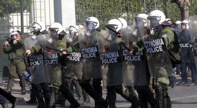 Грък: Който гласува за Преспанското споразумение, ще умре!