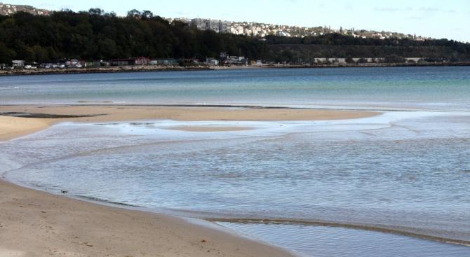 """Министерството на туризма направи проверка на морски плаж """"Шкорпиловци-юг"""""""
