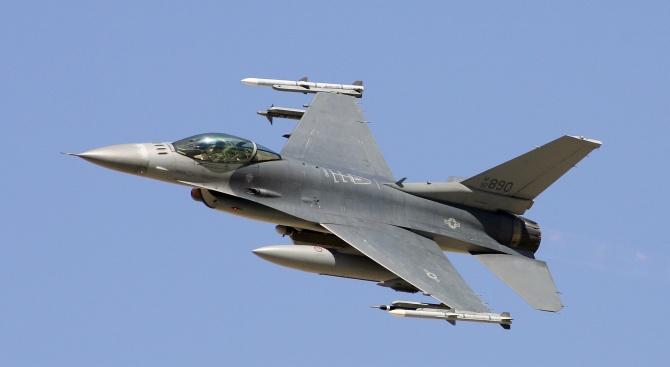 Парламентът гласува предложението на кабинета за започване на преговори за F-16