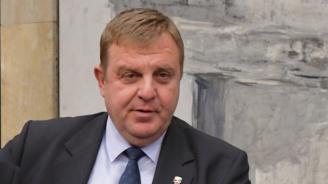 Каракачанов: Единственият начин за интеграция на ромите е през образование и труд