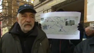 Протестиращи искат оставката на министъра на околната среда и водите заради Босилеград