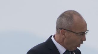 """""""Самолети"""" падаха в хърватския парламент (видео)"""