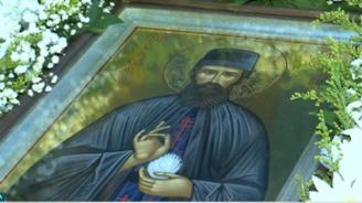 Чудотворната икона на Св. Ефрем Нови Чудотворец за първи път идва у нас