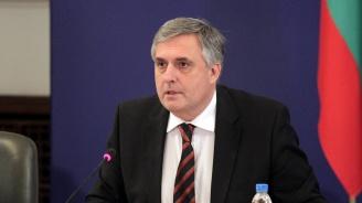 Ивайло Калфин: Не трябва да търсим българските интереси в Преспанското споразумение