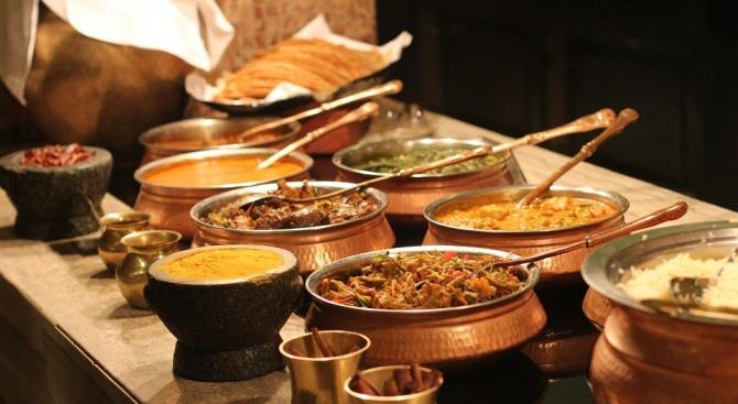 Ресторант Gulou Hotpot в Дубай глобява клиентите си, ако не