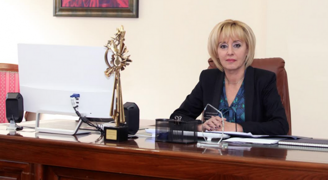 Мая Манолова настоя за законодателни промени за цената  на водата