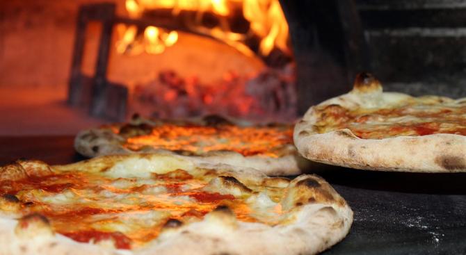 Пицария в модерен квартал в Източен Лондон започна своя кампания