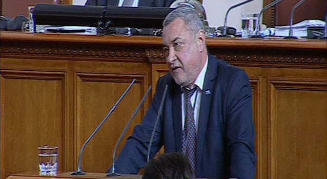 Събредседателят на Обединени патриоти и председател на НФСБ Валери Симеонов