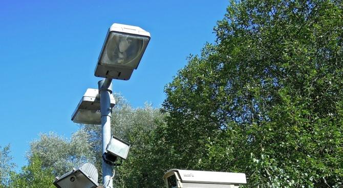 Охранителни камери ще следят за реда в парковете на Велико