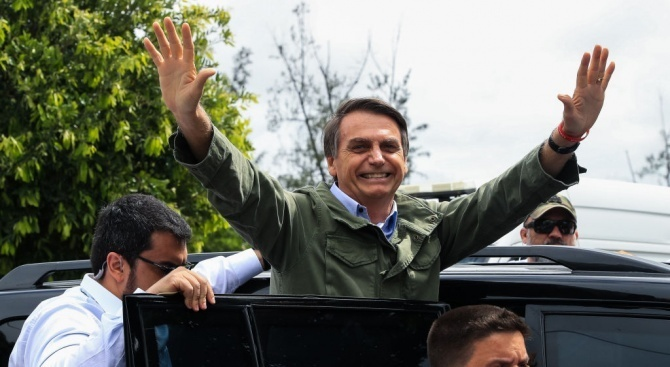 Бразилският крайнодесен президент Жаир Болсонаро обеща снощи, че ще направи