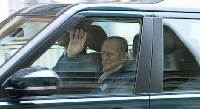 Принц Филип се възстановяваот стреса след катастрофата