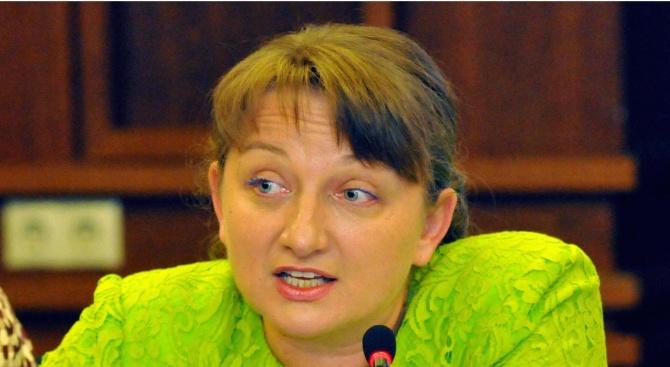 Заместник-министърът на образованието и науката Деница Сачева ще