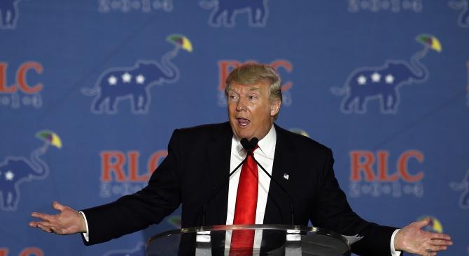 Президентът на САЩ Доналд Тръмп прикани днес американците, засегнати от
