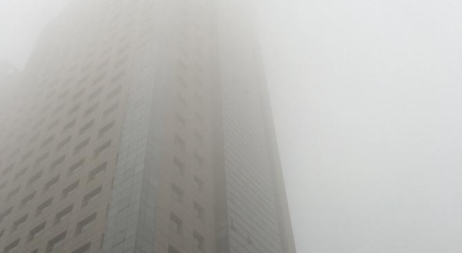 Заради опасните нива на замърсяване на въздуха македонското правителство отложи