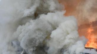 59-годишен пострада при пожар в дома си