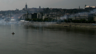 Израелски водолази търсят останки нажертви на Холокоста на дънотона Дунав в Будапеща