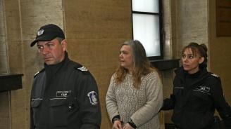 Обвинената за убийство на баща си Мария Велева се разплака в съда: Искам да се грижа за децата си (снимки)