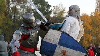 Гвелфи срещу гибелини, ама по български