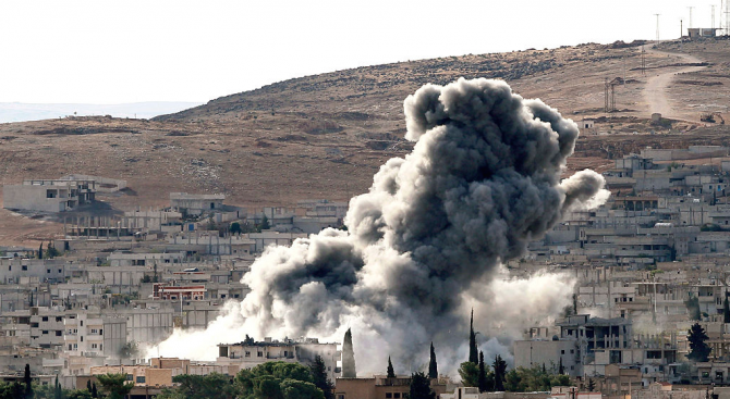 11 души са убити при израелските въздушни удари в Сирия