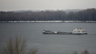 Пет кораба продължават издирването на членовете на екипажите на двата запалили се кораба в Черно море