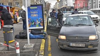 Задържаха трима при полицейска акция в центъра на София (видео+снимки)