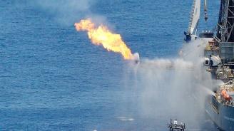 Горяща бомба плава към Русия