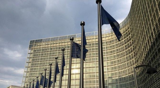 Снимка: Еврокомисията: Не търсете отговори от Брюксел, време е да говори Лондон